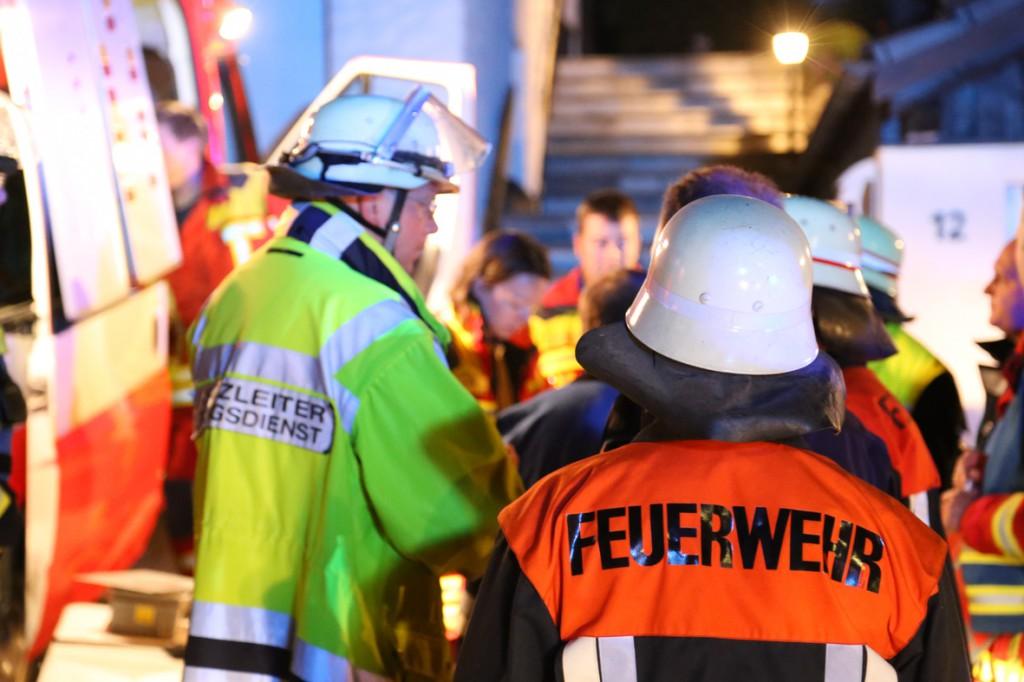 08-06-2014-unterallgaeu-mattsies-brand-schuppen-holzlager-stadel-feuerwehr-polizei-poeppel-new-facts-eu20140608_0028