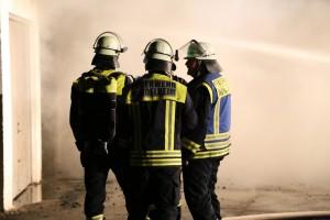 09-06-2014-unterallgaeu-mindelheim-brand-autowerkstatt-gaslager-feuerwehr-brandursache-poeppel-new-facts-eu_0031