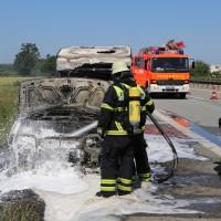 10-06-2014-a7-memmingen-pkw-brand-feuerwehr-polizei-poeppel-new-facts-eu20140610_0025