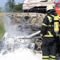10-06-2014-a7-memmingen-pkw-brand-feuerwehr-polizei-poeppel-new-facts-eu20140610_0026