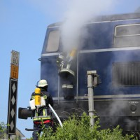 11-06-2014-ostallgaeu-biessenhofen-bahn-lokomotiv-brand-diesellok-feuerwehr-bringezu-new-facts-eu_0012