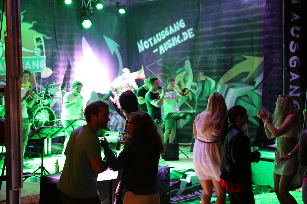 13-06-2014-unterallgaeu-erkheim-freibad-party-notausgang-groll-poeppel-new-facts-eu_0058