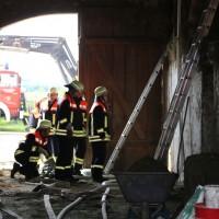 14-06-2014-unterallgaeu-boehen-heustock-ueberhitzt-feuerwehr-poeppel-new-facts-eu_0003
