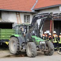 14-06-2014-unterallgaeu-boehen-heustock-ueberhitzt-feuerwehr-poeppel-new-facts-eu_0009