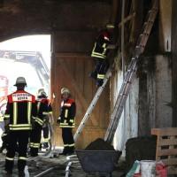 14-06-2014-unterallgaeu-boehen-heustock-ueberhitzt-feuerwehr-poeppel-new-facts-eu_0010