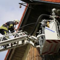 14-06-2014-unterallgaeu-boehen-heustock-ueberhitzt-feuerwehr-poeppel-new-facts-eu_0032