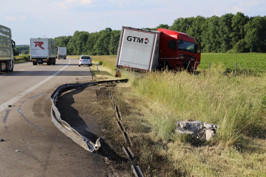 16-06-2014-a7-berkheim-detting-lkw-unfall-polizei-poeppel-new-facts-eu_0015