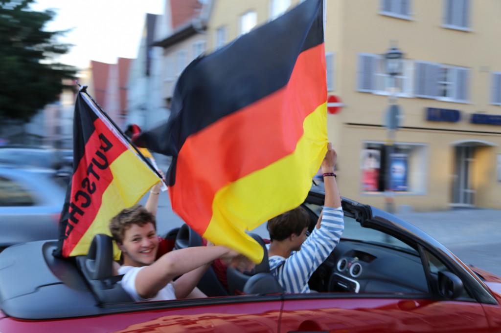 16-06-2014-memmingen public-viewing-brd-deutschland-portugal-poeppel-new-facts-eu20140616_0051