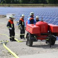 17-06-2014-ostallgaeu-thalhofen-brand-trafo-solarpark-feuerwehr-bringezul-new-facts-eu_0005