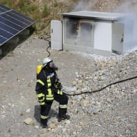 17-06-2014-ostallgaeu-thalhofen-brand-trafo-solarpark-feuerwehr-bringezul-new-facts-eu_0008