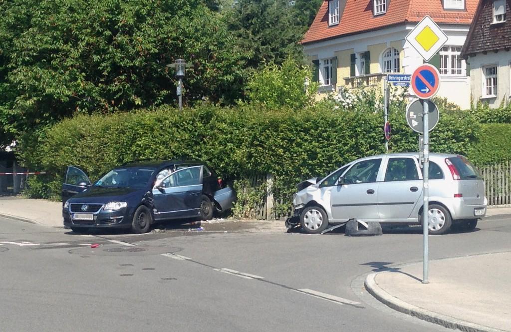 18-06-2014-memmingen-unfall-pkw-fussgaenger-feuerwehr-poeppel-new-facts-eu-03