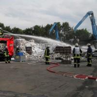 28-06-2014-ravensburg-brand-entsorgungsbetrieb-feuerwehr-new-facts-eu (17)