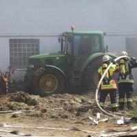 28-06-2014-unterallgaeu-groenenbach-heustock-bauernhof-feuerwehr-poeppel-new-facts-eu20140628_0032