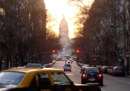Straßenszene in Buenos Aires vor Argentinischem Nationalkongress (Parlament), über dts Nachrichtenagentur