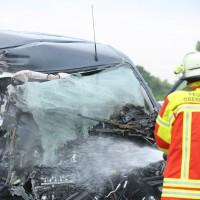 02-07-2014-a7-nersingen-unfall-lkw-verletzte-pkw-feuerwehr-zwiebler-new-facts-eu20000101_0022