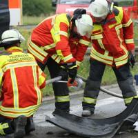 02-07-2014-a7-nersingen-unfall-lkw-verletzte-pkw-feuerwehr-zwiebler-new-facts-eu20000101_0025