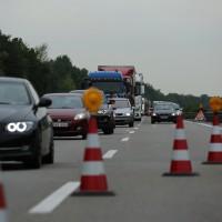 02-07-2014-a7-nersingen-unfall-lkw-verletzte-pkw-feuerwehr-zwiebler-new-facts-eu20000101_0030