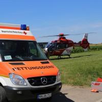 03-07-2014-unterallgaeu-groenenbach-pkw-radfahrer-lebensgefahr-unfall-rettungshubschrauber-notarzt-polizei-poppel-new-facts-eu20140703_0011