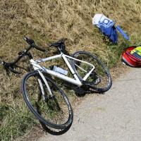 03-07-2014-unterallgaeu-groenenbach-pkw-radfahrer-lebensgefahr-unfall-rettungshubschrauber-notarzt-polizei-poppel-new-facts-eu20140703_0017