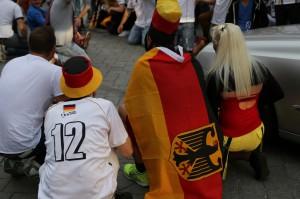 04-07-2014-pubilic-viewing-memmingen-deutschland-frankreich-sieg-poppel-new-facts-eu20140704_0086