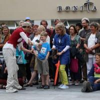 05-07-2014-memmingen-strassenkuenstler-memminger-meile-poeppel-new-facts-eu20140705_0031