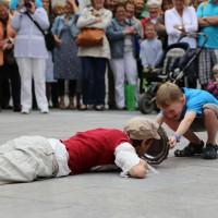 05-07-2014-memmingen-strassenkuenstler-memminger-meile-poeppel-new-facts-eu20140705_0038