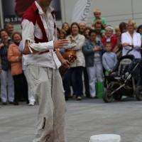 05-07-2014-memmingen-strassenkuenstler-memminger-meile-poeppel-new-facts-eu20140705_0048