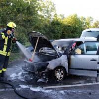 06-07-2014-a7-altenstadt-pendlerparkplatz-pkw-brand-feuerwehr-wis-new-facts-eu (5)
