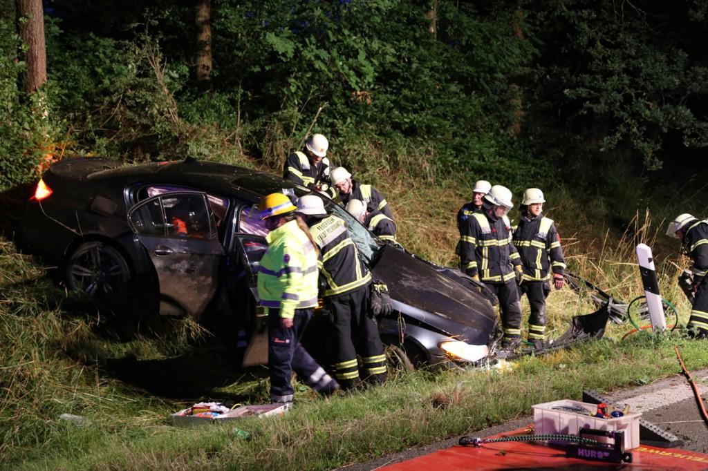 09-07-2014-b300-a7-memmingen-unfall-eingeklemmt-feuerwehr-notarzt-poeppel-new-facts-eu20140709_0014