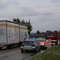 09-07-2014-b300-memmingen-steinheim-europastrasse-lkw-pkw-feuerwehr-poeppel-new-facts-eu20140709_0002
