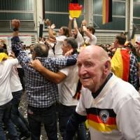 13-07-2014-memmingen-weltmeister-fussball-public-viewing-kaminwerk-poeppel-new-facts-eu20140713_0032