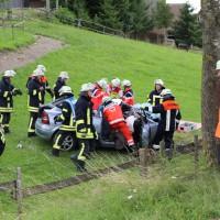 14-07-2014-unterallgaeu-ottobeuren-attenhausen-unfall-schwer-eingeklemmt-feuerwehr-groll-new-facts-eu_005