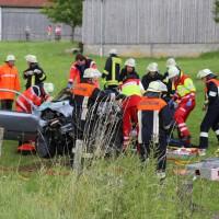 14-07-2014-unterallgaeu-ottobeuren-attenhausen-unfall-schwer-eingeklemmt-feuerwehr-groll-new-facts-eu_008