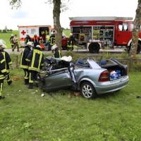 14-07-2014-unterallgaeu-ottobeuren-attenhausen-unfall-schwer-eingeklemmt-feuerwehr-groll-new-facts-eu_013