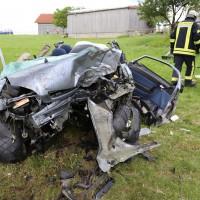 14-07-2014-unterallgaeu-ottobeuren-attenhausen-unfall-schwer-eingeklemmt-feuerwehr-groll-new-facts-eu_015