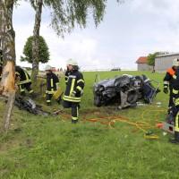14-07-2014-unterallgaeu-ottobeuren-attenhausen-unfall-schwer-eingeklemmt-feuerwehr-groll-new-facts-eu_017
