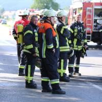 19-07-2014-ostallgaeu-immenhofen-brand-strohballen-anhaenger-feuerwehr-bringezu-new-facts-eu20140719_0012