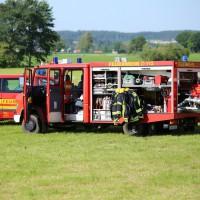 19-07-2014-ostallgaeu-immenhofen-brand-strohballen-anhaenger-feuerwehr-bringezu-new-facts-eu20140719_0018