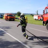 19-07-2014-ostallgaeu-immenhofen-brand-strohballen-anhaenger-feuerwehr-bringezu-new-facts-eu20140719_0022