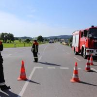 19-07-2014-ostallgaeu-immenhofen-brand-strohballen-anhaenger-feuerwehr-bringezu-new-facts-eu20140719_0024