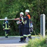 19-07-2014-ostallgaeu-immenhofen-brand-strohballen-anhaenger-feuerwehr-bringezu-new-facts-eu20140719_0027