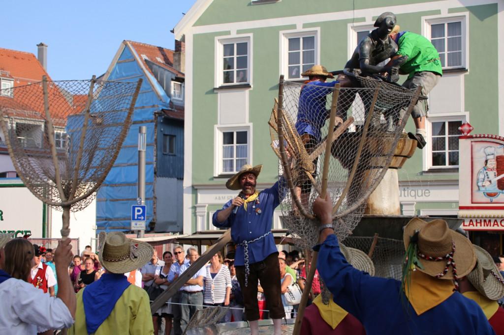 25-07-2014-memmingen-fischertagsvorabend-garde-poeppel-new-facts-eu20140725_0087