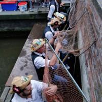 26-07-2014-memmingen-fischertag-fischen-wiegen-koenigsforelle-peta-poeppel-new-facts-eu20140726_0002