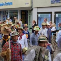 26-07-2014-memmingen-fischertag-fischen-wiegen-koenigsforelle-peta-poeppel-new-facts-eu20140726_0079