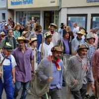 26-07-2014-memmingen-fischertag-fischen-wiegen-koenigsforelle-peta-poeppel-new-facts-eu20140726_0185