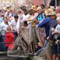 26-07-2014-memmingen-fischertag-fischen-wiegen-koenigsforelle-peta-poeppel-new-facts-eu20140726_0305