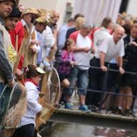 26-07-2014-memmingen-fischertag-fischen-wiegen-koenigsforelle-peta-poeppel-new-facts-eu20140726_0306