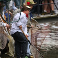 26-07-2014-memmingen-fischertag-fischen-wiegen-koenigsforelle-peta-poeppel-new-facts-eu20140726_0310