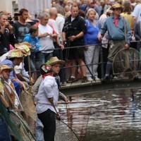 26-07-2014-memmingen-fischertag-fischen-wiegen-koenigsforelle-peta-poeppel-new-facts-eu20140726_0313