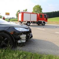27-07-2014-unterallgaeu-b18-oberauerbach-unfall-zehn-verletzte-poeppel-new-facts-eu20140727_0023